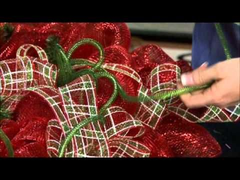 how to make a Christmas mesh wreath...love these!