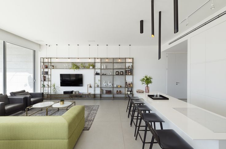 Image 4 of 19 from gallery of Penthouse in Holon / OMY design. Photograph by Gideon Levin / 181 architecture photography