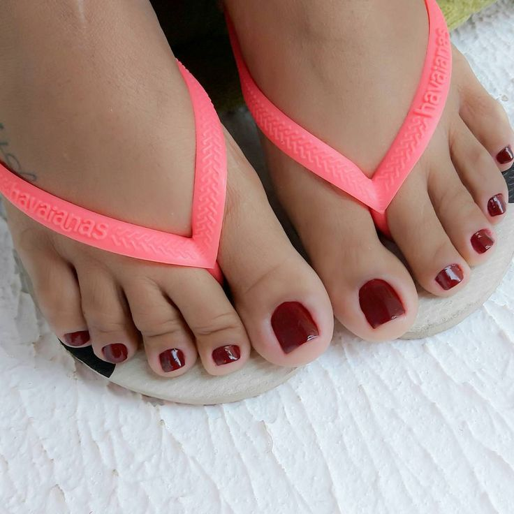 cute red toes!