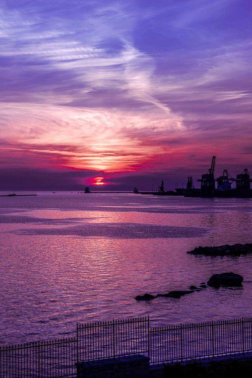 sundxwn: Sunset - Taranto (Italy) by Ciro Santopietro