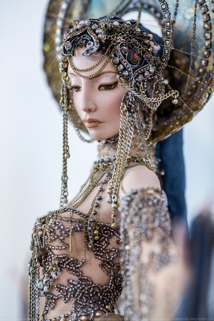 "Black Noize Cathedral - The exhibition ""10 years around the world"" (Doll Collection Helena Thunder)"