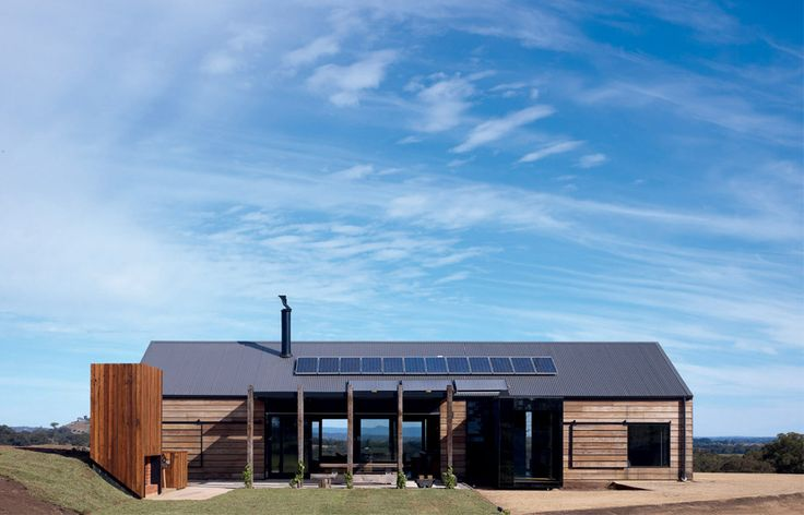 Hill Plains House in rural Victoria, designed by Jeremy Wolveridge.