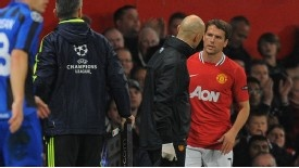 A pity, what could have been a glorious career completely derailed by injuries, I hope Michael Owen is able to recover soon - ManU will be unstoppable if all its strikers are in good health!
