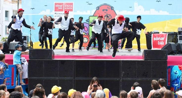 Brodas Bros jumping at #SonarKids