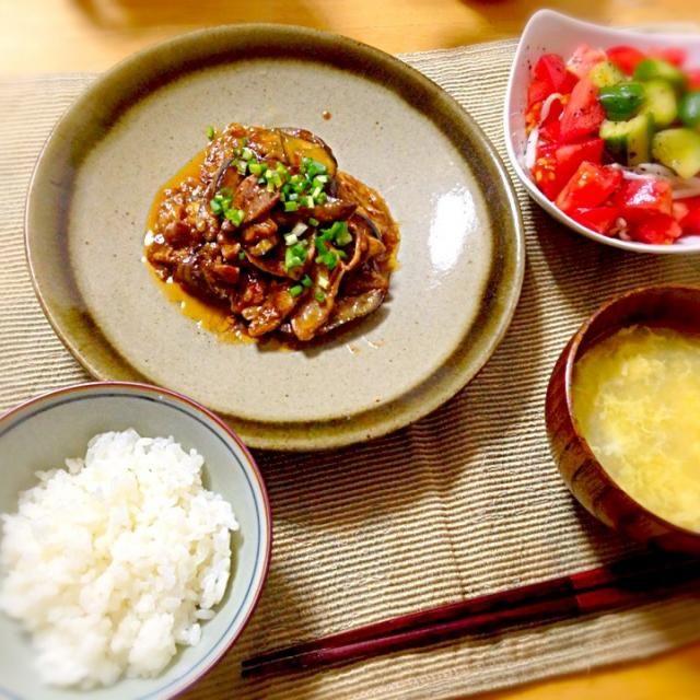 きゅうりトマトのサラダ、卵スープ - 40件のもぐもぐ - なすと豚肉の中華風味噌炒め by 浜崎里佳