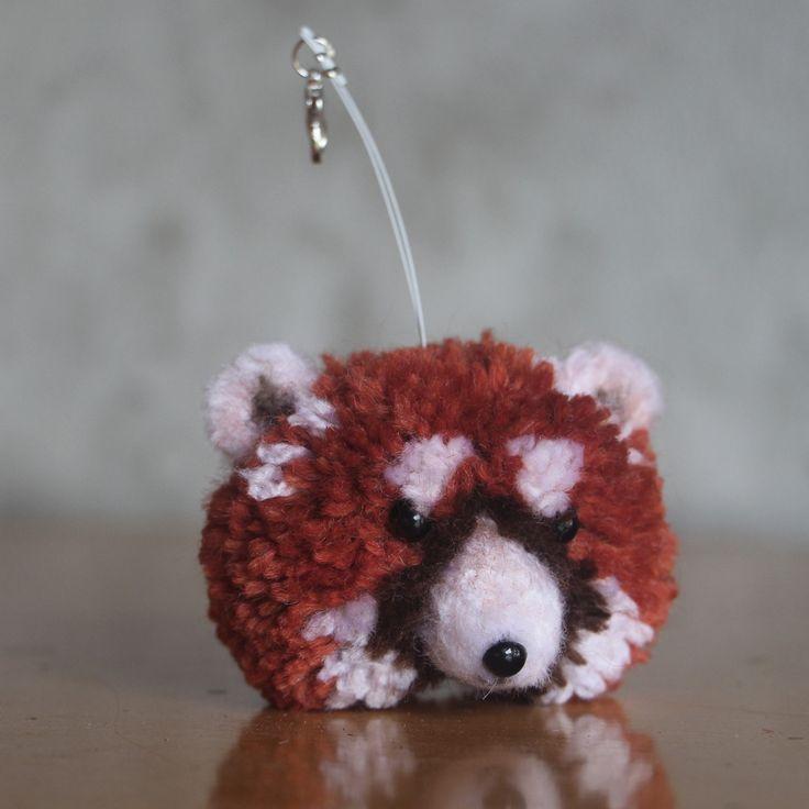"Přívěsek či dekorace  \""Panda červená Lojzička\"" | Zobrazit plnou velikost fotografie, Brooch cute pomp pomp animals, wool, light, nature, animal, natural, panda, red panda, pet, white, cheerful, gentle, sweet, cute pom pom animals, miniature, keychain, chain"