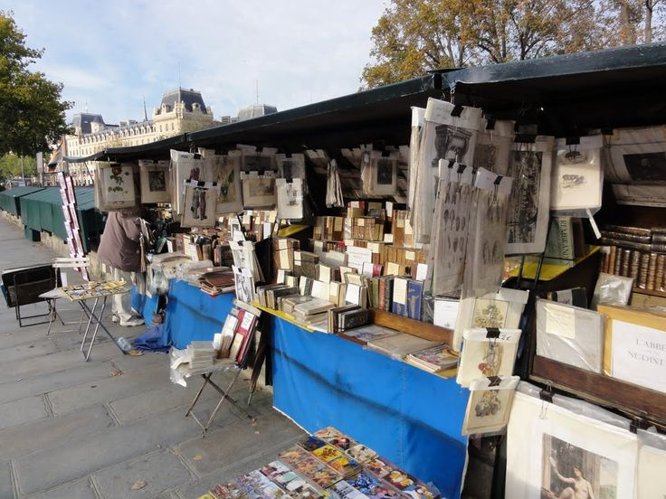 Outdoor booksellers near the river Seine.