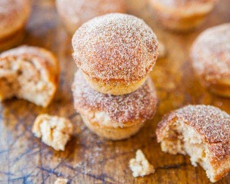Recepty: Mini donut vdolečky se skořicovým cukrem