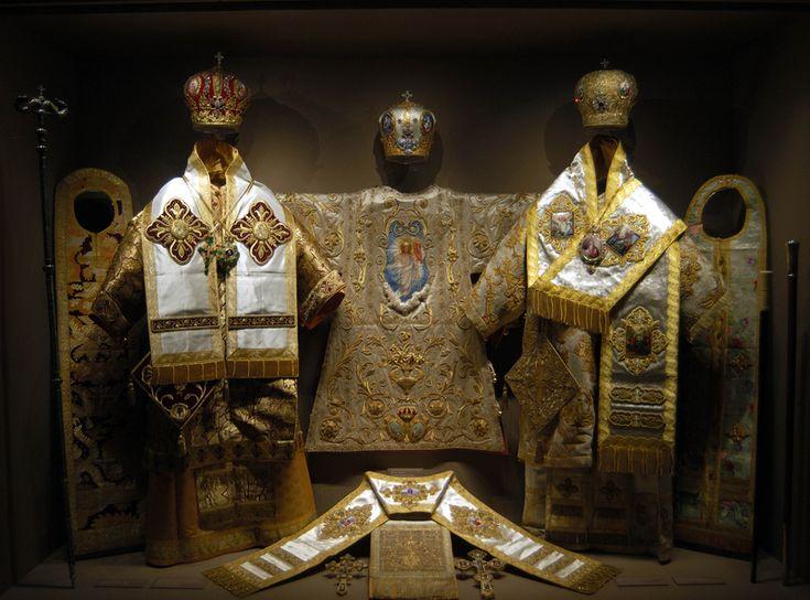 Πνευματικοί Λόγοι: Τα άμφια των κληρικών