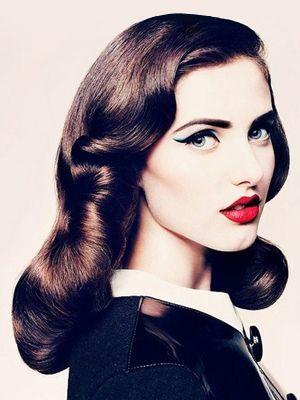 retro makeup: Hairstyles, Idea, Make Up, Cat Eye, Hair Styles, Vintage, Makeup, Retro, Beauty