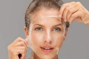 14 home remedies om gezichtshaar te verwijderen