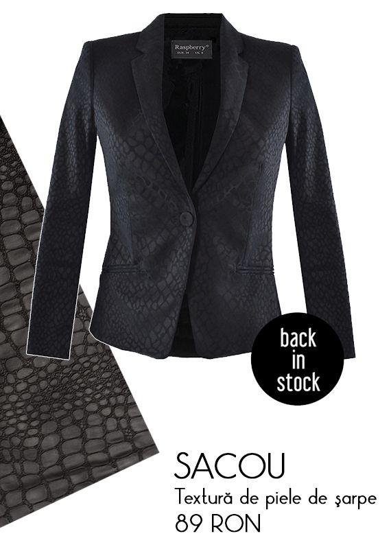 Sacou negru cu textura de piele de sarpe - 89 RON  Vezi mai multe modele de sacouri si jachete aici http://www.raspberryfashion.ro/imbracaminte/sacouri-veste-jachete-paltoane