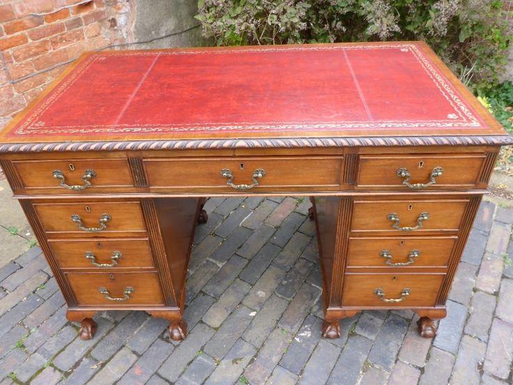 Quality Mahogany Pedestal Desk