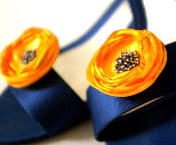 Top 10 Fall Wedding Ideas on a Budget |  #autumn #bestfallweddings #boots #boutonniere #bridecowboyboots #bridesincowboyboots #bridesmaid #cardigan #coffeebar #coffeethemedwedding #convertible #desertrose #fall #fallweddingideas #fallweddingtrends #gold #niapersonbridal #pumpkin #pumpkinspice #red #sunflowers #wedding | Fall Wedding Trends - gold shoe clips