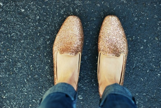 ,: Golden Shoes, Gold Glitter, Sparkly Shoes, Glitter Shoes, Fashion Blog, Glitter Loafers, Gold Sparkle, Sparkle Loafers, Glitter Flats