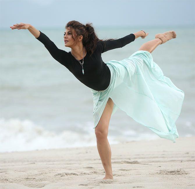 PIX: Jacqueline's SENSUAL dance!