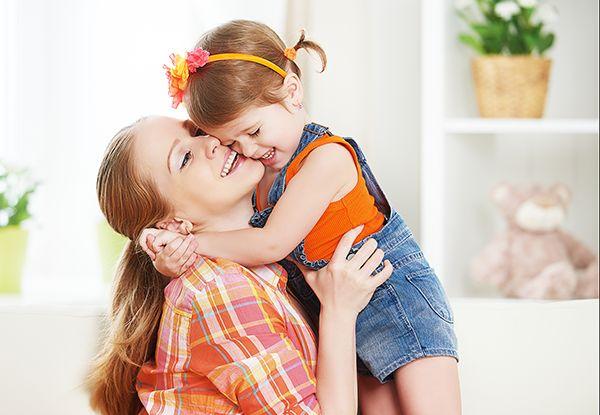 Από τα πιο σημαντικά και πολύτιμα δώρα που μπορείτε να προσφέρετε στα παιδιά σας είναι θετικές τονωτικές εκφράσεις, ώστε να τα βοηθήσετε να κτίσουν μια δυνατή προσωπικότητα, να πιστέψουν στον εαυτό...