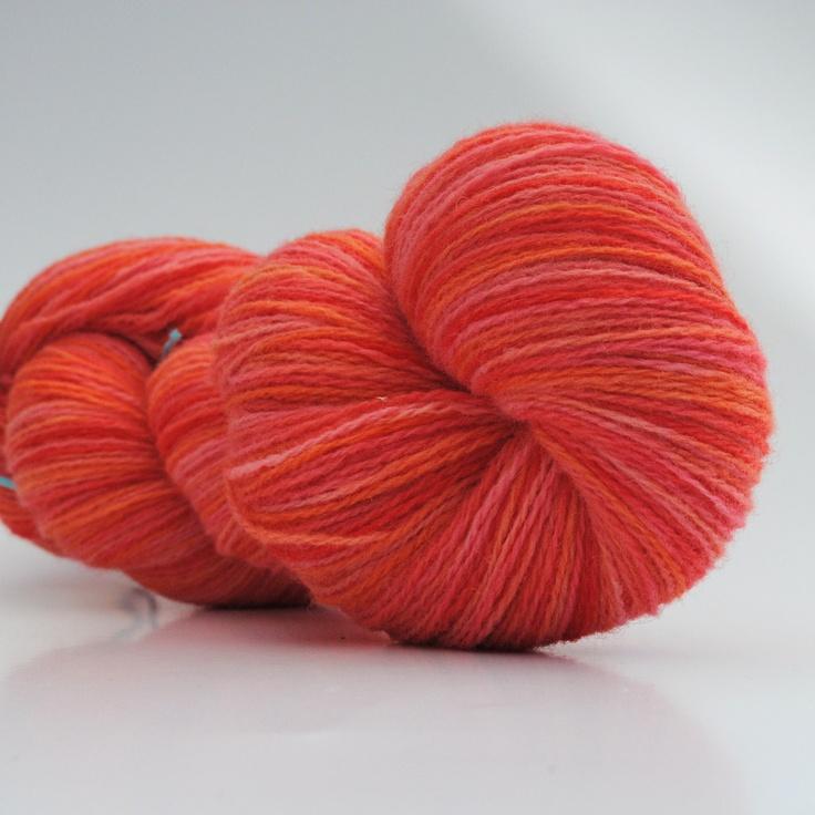 Summer Breeze, 2-ply wool, 450m/100gr from Aalerusen.blogspot.com.    Handdyed yarns by Julia Zahle