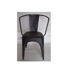 Židle A - značka Tolix pochází z Francie a proslavila se kovovým nábytkem. V roce 1927 ji založil Xavier Pauchard. Ten také následně o pět let později navrhl ikonu francouzského designu - židli A. Značka Tolix v dnešní době spolupracuje s designéry jako jsou Sebastian Bergne, Studio Normal nebo Sebastien Cordoleani.