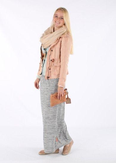 Hippe perzik-kleur met lange rok van Superdry.