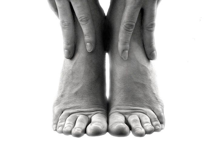Tørre fødder eller hård hud - Pas dine fødder med disse råd
