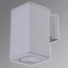 Kodu: KYR 3209-001 Bahçe-Duvar Aydınlatma Aplik Marka: TADD Lighting, Ürün Grubu: AplikMateryalGövde: AlüminyumDifüzör: Şeffaf CamKaplama: PolikarbonatTeknik TabloÖlçü: Duy: E27LED: Işık Rengi: IP: 44Açı: Işık Şiddeti (Cd): Işık Akısı (Lm): Güç (W): max. 60Gerilim (V): 220