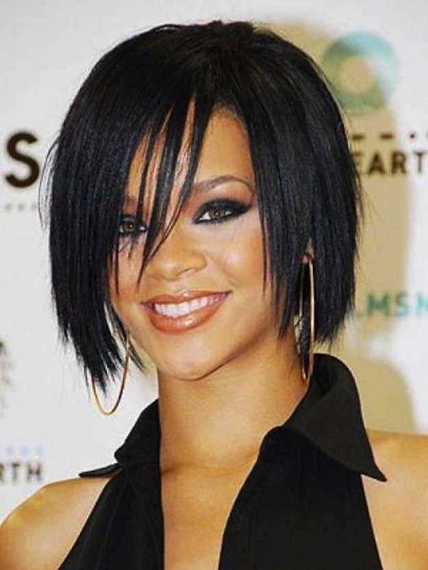 Cortes de pelo bob escalados: fotos de los peinados - Rihanna look