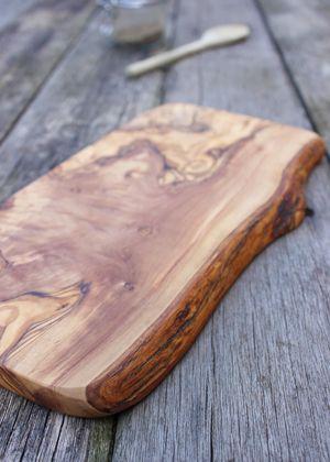 Ihana Leikkuulauta - Oliivipuu - http://sisustusullakko.com/tuote/ihana-leikkuulauta-oliivipuu