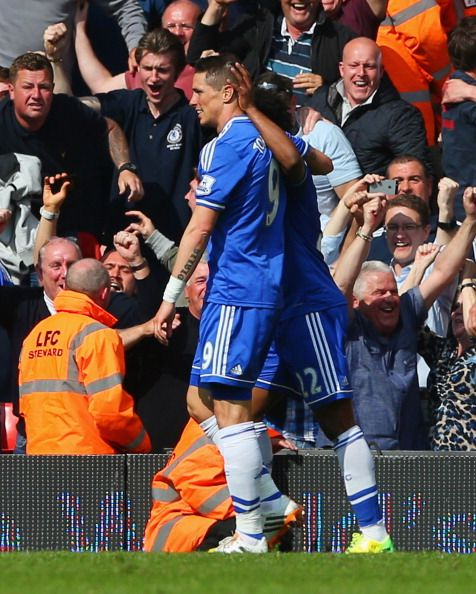 Fernando Torres and Willian of Chelsea FC celebrating their late goal against Liverpool