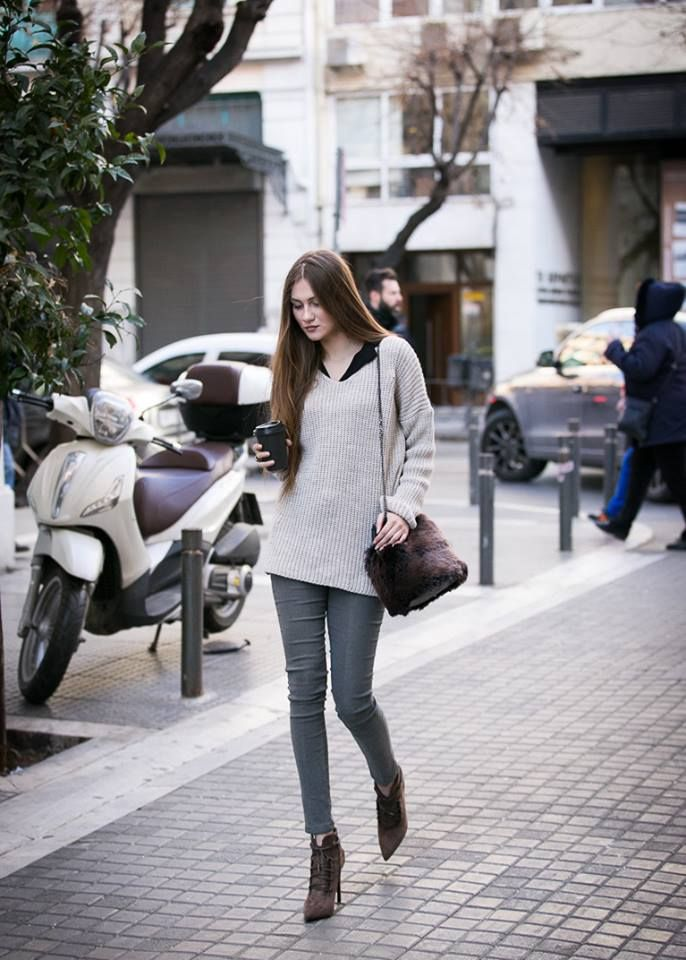 Knitted round neck blouse, long sleeve and discrete strass. Made in Italy. http://www.modaboom.com/clothes/knitwear-tops/strass-en/