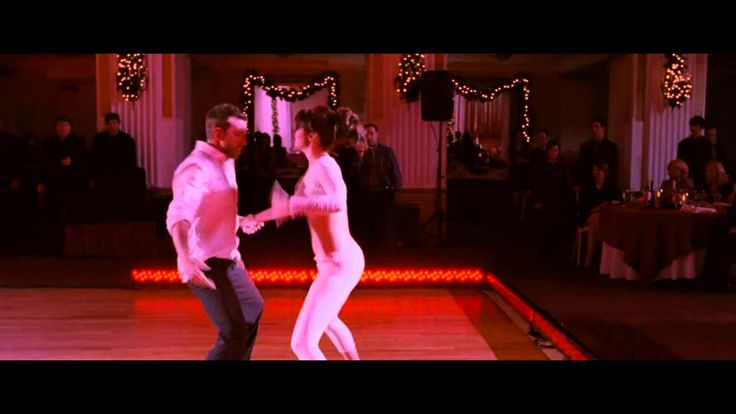 Silver Lining Playbook - The time has come for their final performance, Pat drags a reluctant Tiffany to the dance floor.