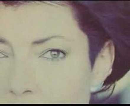Amaya & Joan Manuel Serrat-Palabras de amor - YouTube