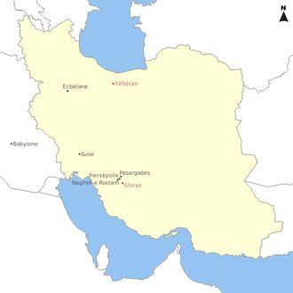 L'Empire achéménide est le premier des Empires perses à régner sur une grande partie du Moyen-Orient. Il s'étend alors au nord et à l'ouest en Asie Mineure, en Thrace et sur la plupart des régions côtières de la mer Noire; à l'est jusqu'en Afghanistan et sur une partie du Pakistan actuels, et au sud et au sud-ouest sur l'actuel Iraq, sur la Syrie, l'Égypte, le nord de l'Arabie saoudite, la Jordanie, Israël et la Palestine, le Liban et jusqu'au nord de la Libye.