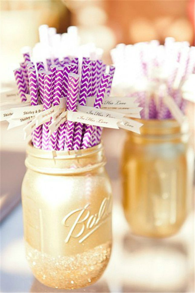 Keep track of your drink with straw name tags.