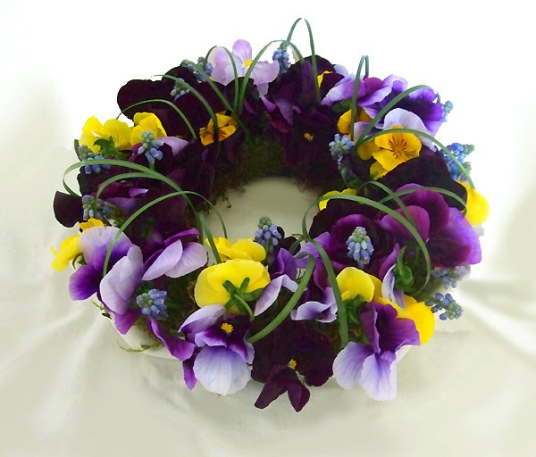 Pansy Wreath~ Sarah's Country Kitchen ~