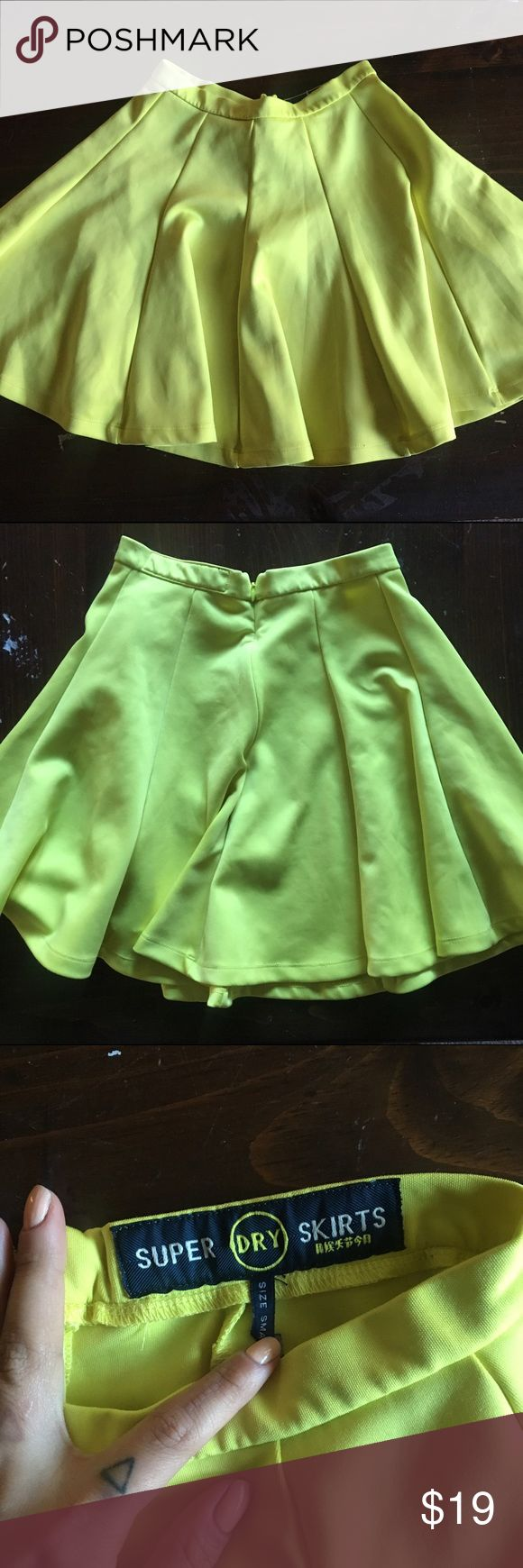 SUPERDRY scubaknit high waist pleated circle skirt worn once! neon yellow. scuba knit fabric. high waist, pleated style. back zip. Superdry Skirts Circle & Skater