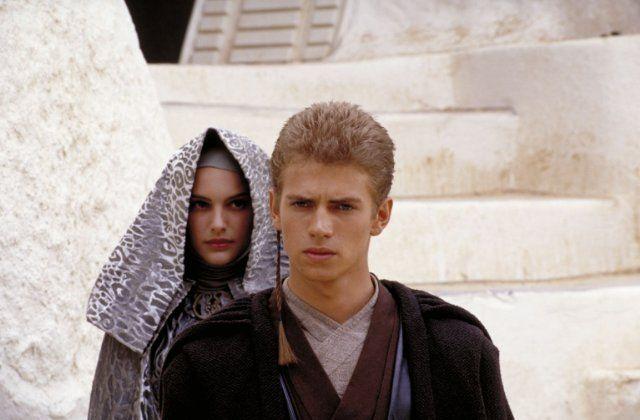 Still of Natalie Portman and Hayden Christensen in Star Wars - Επεισόδιο II: Η Επίθεση των Κλώνων