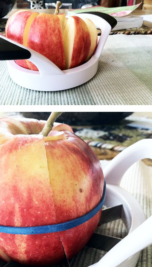 Use a rubber band to keep a sliced apple from browning. | 27 Ways To Pack A Better Lunch