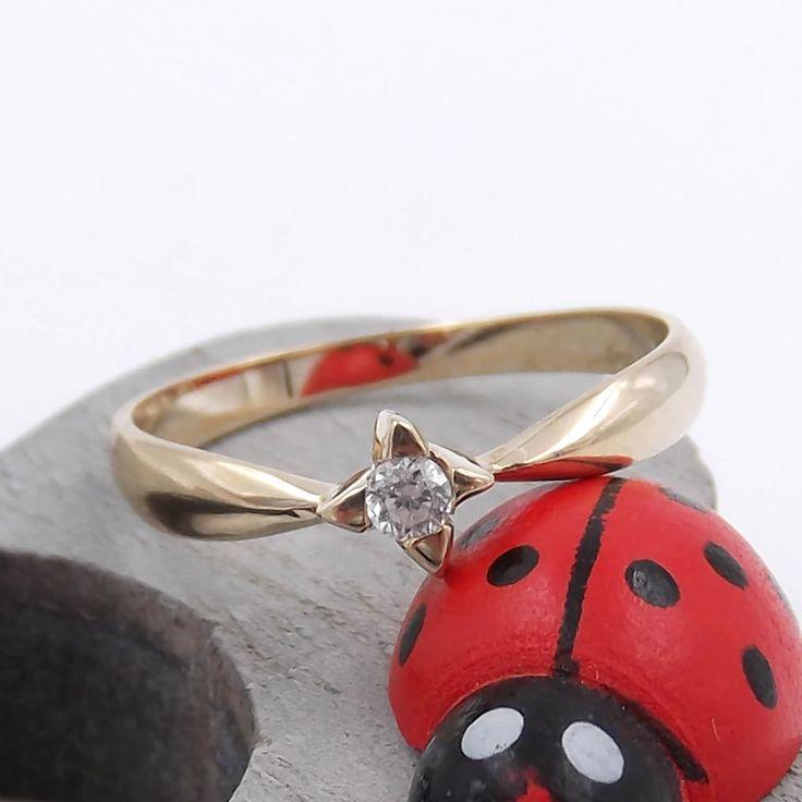 Anello Solitario con diamante per fidanzamento da donna in oro giallo 9kt.(375‰) | eBay