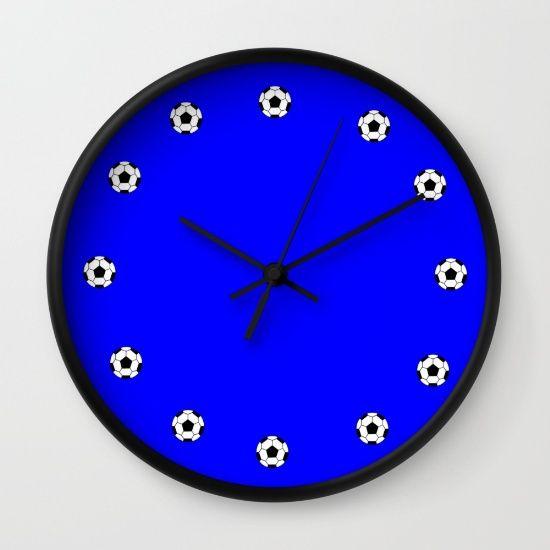 https://society6.com/product/ballon-de-foot_wall-clock?curator=boutiquezia