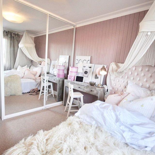 Inspirasjon til din drømmegarderobe fra @skapnett på bloggen En perfekt garderobe med masse plass, speildører som gjør rommet større og som gjør en hver husmor med aldri nok lagringsplass -lykkelig  #skapnett #garderobe #home #interior #decor #reklame