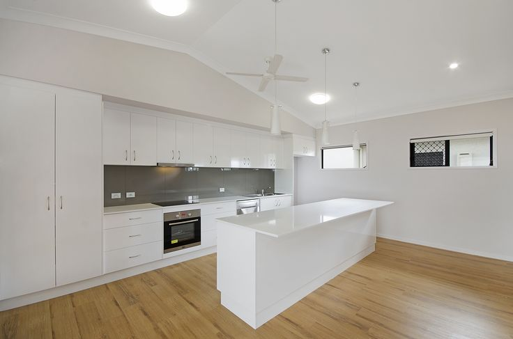 Kitchen #martinlockehomes #builder #townsville #stonetops #vinylplanking #awardwinning