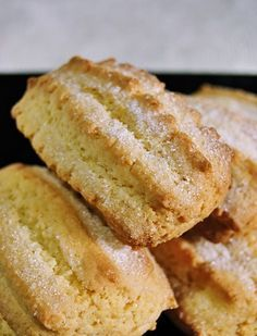 Finalmente, dopo quasi 4 anni di blog… pubblico la ricetta dei miei biscottoni da colazione, postata a suo tempo su un forum di cucina. E...