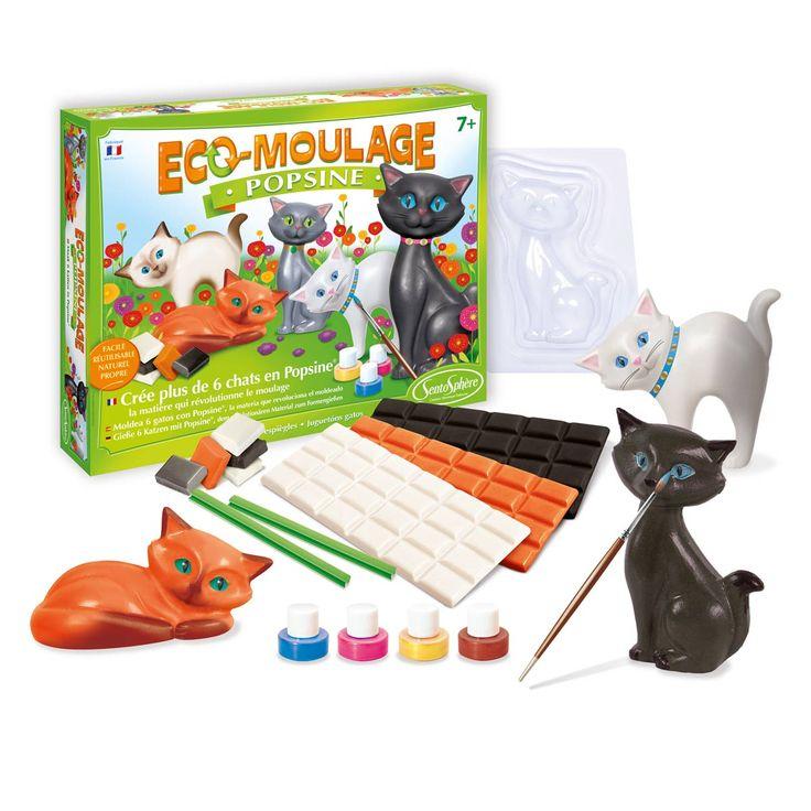 Ce coffret éco-moulage Popsine Crée des chats contient des moules, trois plaques de popsine et des feutres pinceaux. La popsine est un matériau qui fond au micro-ondes. Avec les trois plaques de popsine, l'enfant crée de nombreuses couleurs car cette matière est miscible. Elle est aussi réutilisable à l'infini. L'enfant donne vie à un chat, qu'il peut ensuite faire fondre pour en créer un autre. Ces figurines décorent une chambre d'enfant ou constituent un joli cadeau.