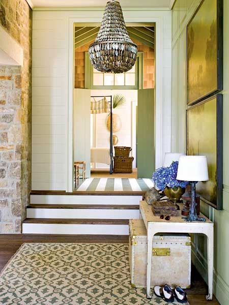 Green Lakeside Entry Room