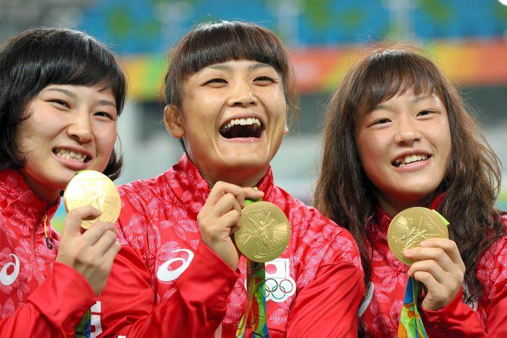 朝日新聞デジタルの写真特集「レスリング女子、金ラッシュ」です。 #レスリング #リオ五輪