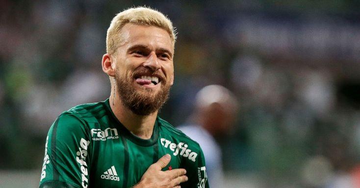 Receita condena parceria com Crefisa, e Palmeiras assume riscos em reforços