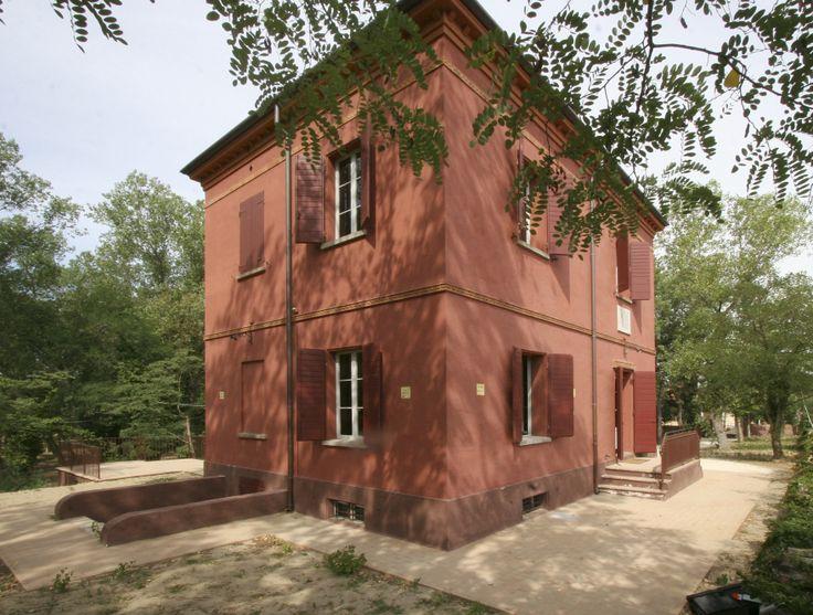 foto di PH Paritani. La casa per l'estate della famiglia dello scrittore Alfredo Panzini, luogo di incontro per gli amici e i letterati. www.riviera.rimini.it www.facebook.com/RivieraDiRimini
