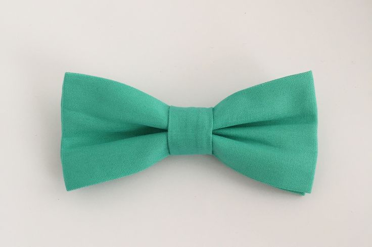 Solid Mint Bow Tie