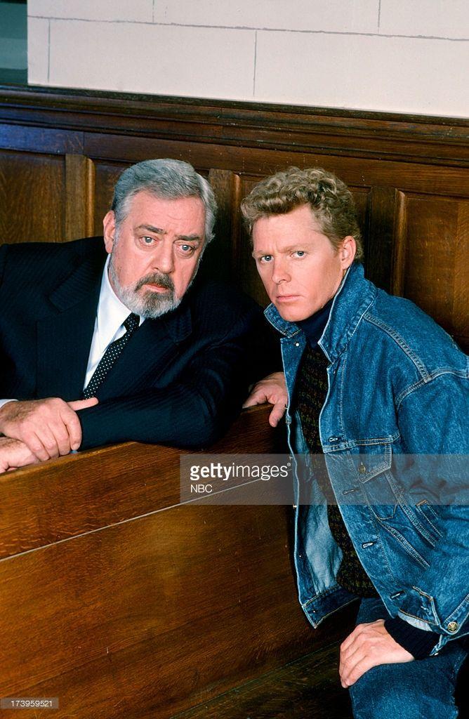 Perry Mason - Raymond Burr as Perry Mason and William Katt as Paul Drake Jr